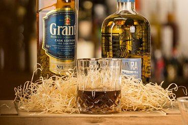 Grants Ale Cask Whisky, Mackmyra Brukswhisky Swedish Malt Whisky